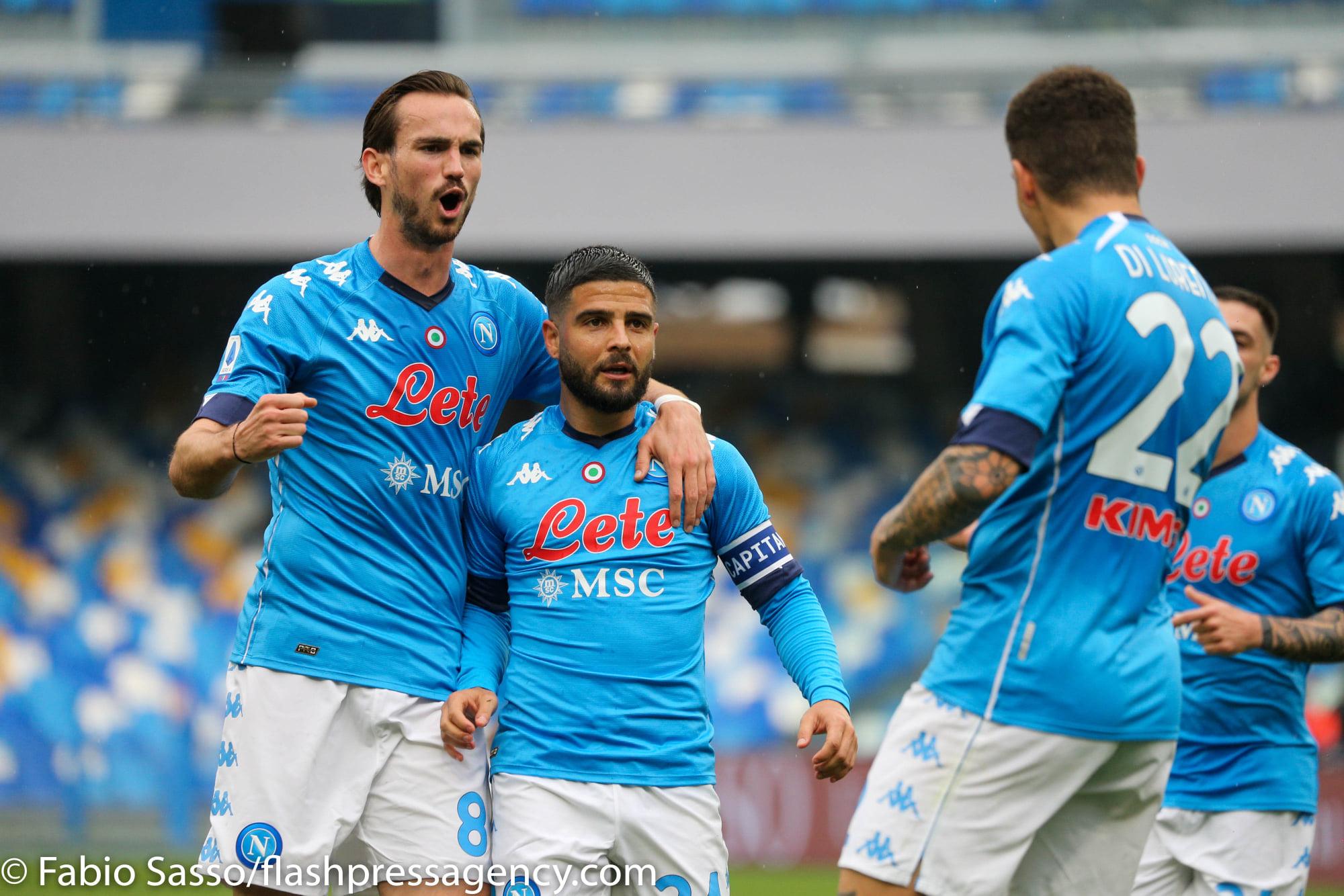 La SSC Napoli ufficializza la nuova maglia 2021/22. La foto della ...